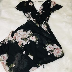 🆕 Maurice's Black Floral Tie Maxi Dress! 🆕